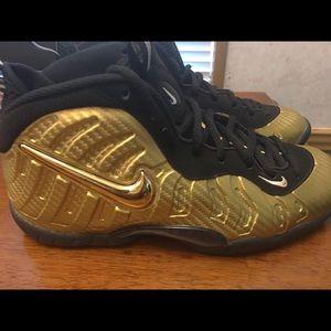 online retailer 77696 761e2 NIKE AIR FOAMPOSITE Pro Metallic Gold Black Posite